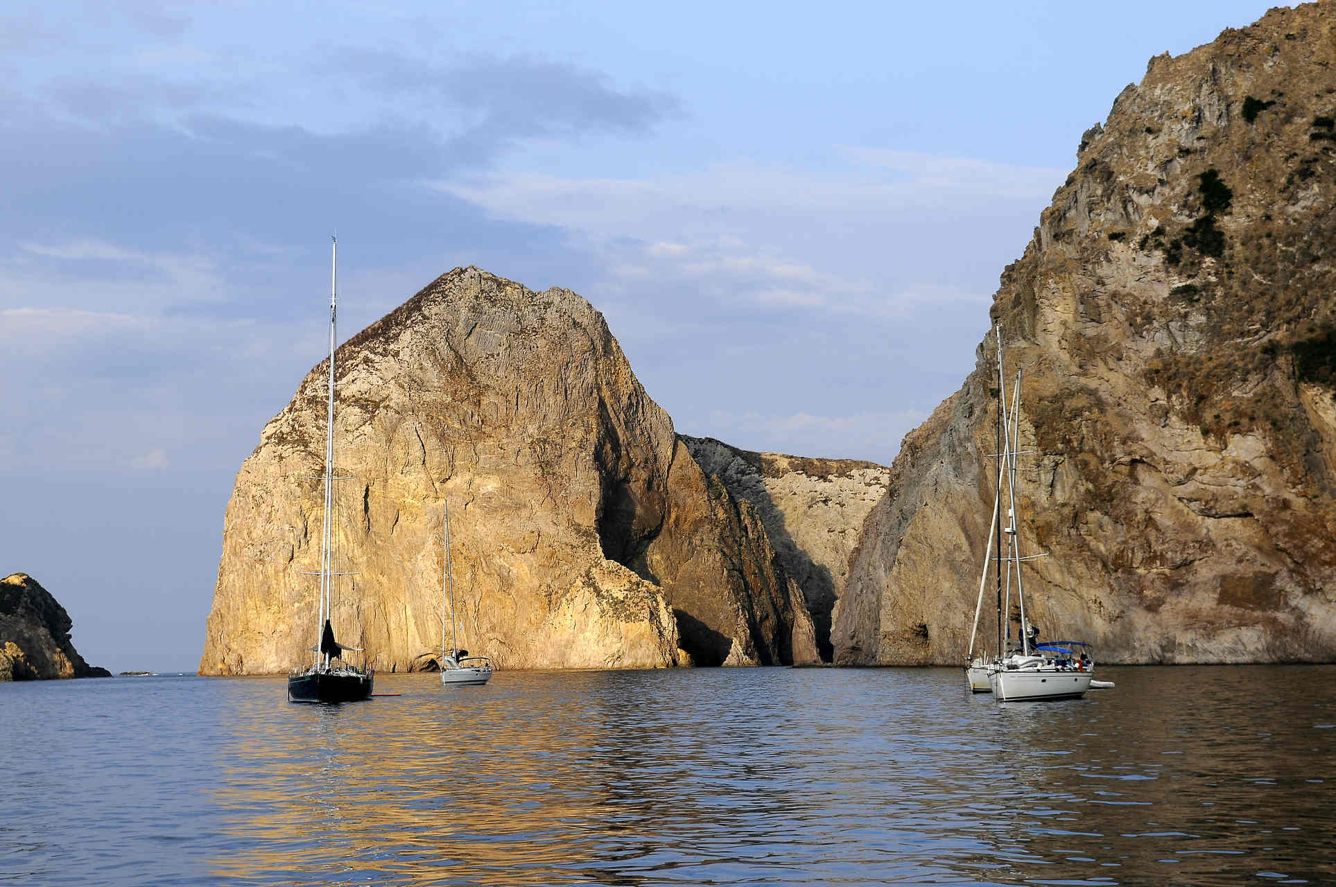 Vacanze e weekend in barca a vela Isole Pontine, Ponza, Palmarola e Ventotene