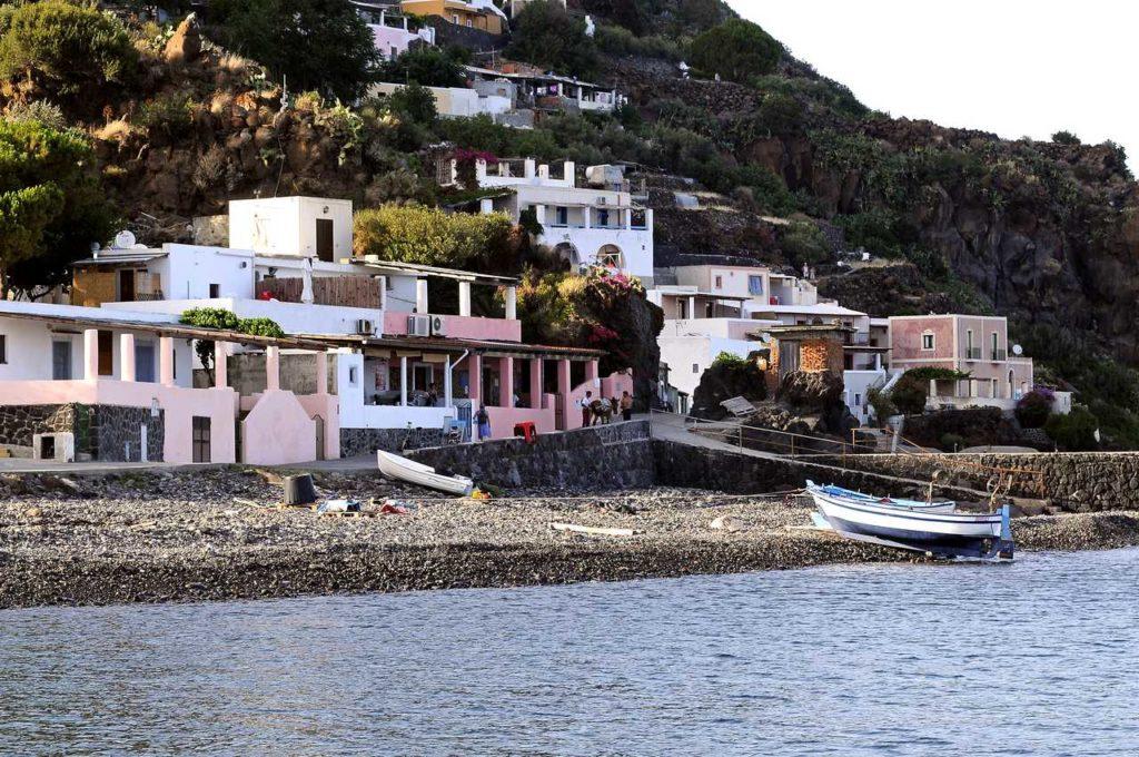 Mare & Vento vacanze in barca a vela Isole Eolie Alicudi