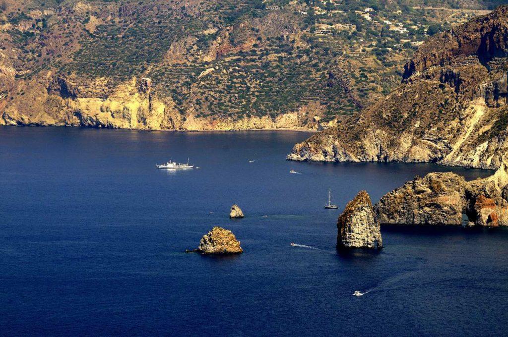 Mare & Vento vacanze in barca a vela Isole Eolie Lipari